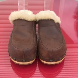 Ugg brown leather clogs size 8